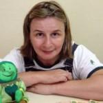 Tia Dulce: assistente social e contadora de histórias, voluntária do projeto Mundo do Faz de Conta