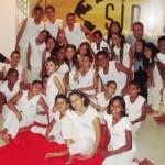Ricardo com os pequenos do Batucar, que já se apresentaram até em Cabo Verde, na África