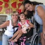Teresa (E) coordena há sete anos One by One e mostra  como é possível conviver com as diferenças