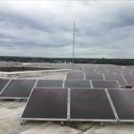Placas fotovoltaicas instaladas no telhado da embaixada italiana em Brasília