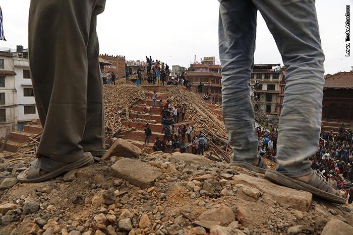 Em cima do templo dia terremoto2 copy